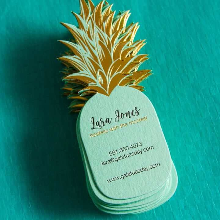 30 Mind-Blowing Business Cards Ideas To Help You Land The Deal